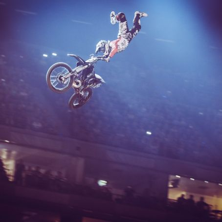 NIGHT OF THE JUMPS byBENOTT 43